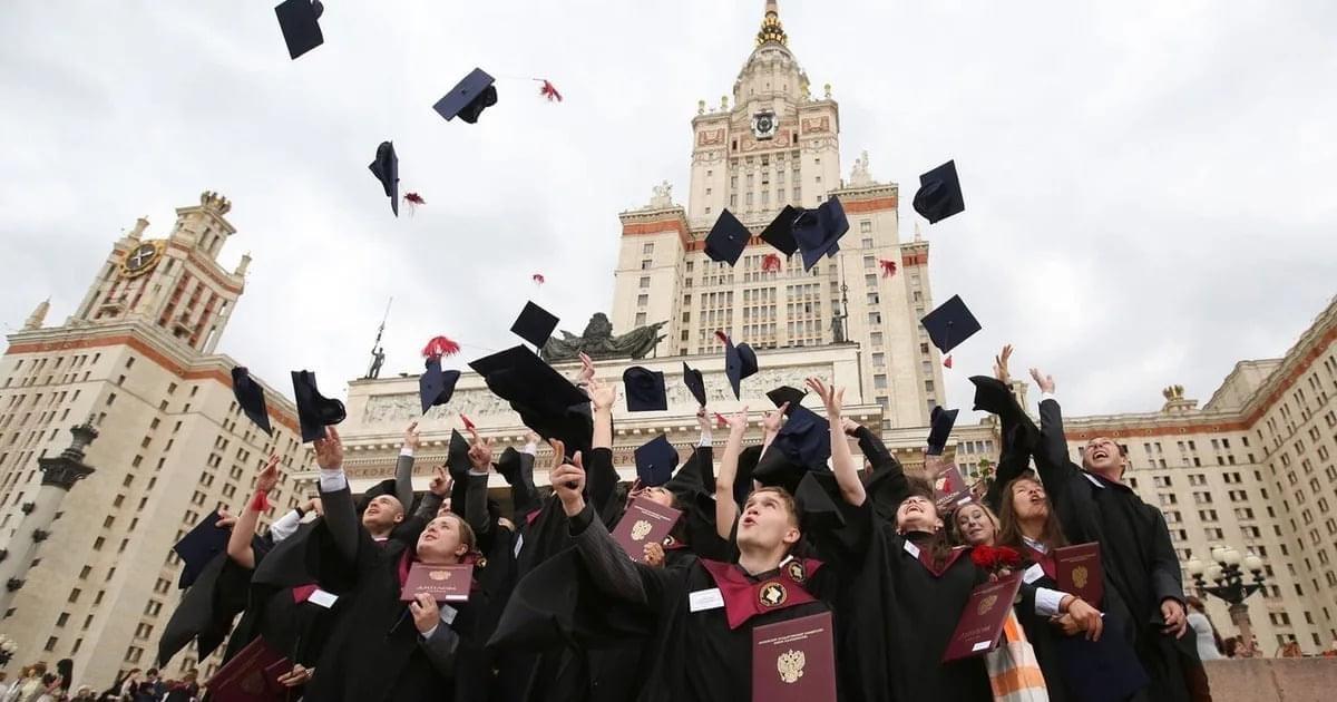 Rusya'da Burslu Üniversite Öğrenimi İçin Başvurular Devam Ediyor